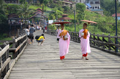 Suore buddisti lunedì. Immagine Stock