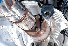 在尾气Supension系统的导电线管 库存图片