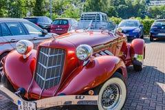 Super Ładować Kasztanowy 851 Boattail klasyk Kasztanowy był gatunku imię Amerykańscy samochody produkujący w Kasztanowym, Indiana Zdjęcia Royalty Free