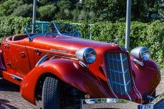 Super Ładować Kasztanowy 851 Boattail klasyk Kasztanowy był gatunku imię Amerykańscy samochody produkujący w Kasztanowym, Indiana Obraz Stock