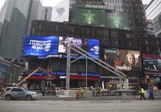 Super Bowl-Boulevardbau laufend auf Times Square während der Woche des Super Bowl XLVIII in Manhattan Stockfotos