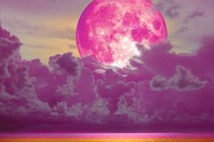 Free Super Full Pink Moon Back Magenta Cloud Over The Sea Stock Photo - 121060310