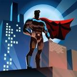 Super héroe en ciudad Imagen de archivo libre de regalías