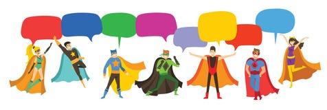Super héroes que llevan los trajes de los tebeos y las burbujas del discurso stock de ilustración