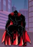 Super-herói que senta-se na silhueta da cidade ilustração do vetor