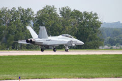 Super Hornet Landing. At Airshow Royalty Free Stock Photos
