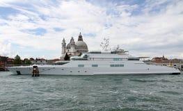 Super luksusowy jacht Obrazy Stock