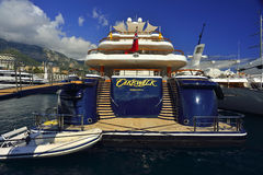 Super luxejacht in Monaco Stock Afbeelding