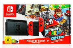 Super-Mario Odyssey Bundle Set-Kasten durch Nintendo-Schalter stockfoto
