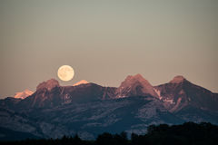 Super Moon at the Mountain Royalty Free Stock Photos