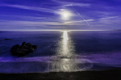 Super Moon setting on the Ocean Royalty Free Stock Images