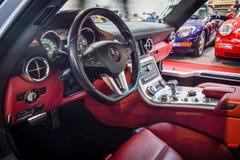 supercar奔驰车SLS AMG 6,3小轿车客舱, 2010年 库存照片