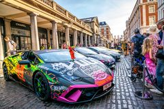 Supercarro Lamborghini Aventador em Londres imagens de stock royalty free
