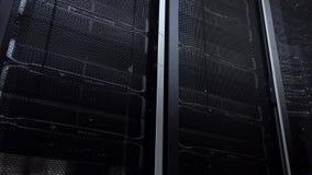 supercomputer Het datacentrum van de serverruimte met werkende serverrekken stock videobeelden
