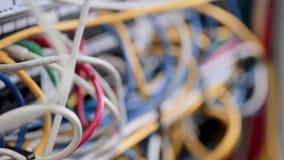 Supercomputer mit Kabeln und Lampen stock video footage