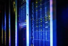 Supercomputerskivminne i serie av datorhallutrustning arkivbild