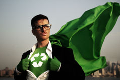 Supereroe di posa verde di affari Fotografia Stock Libera da Diritti