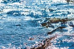 Superfície da água de fluxo imagem de stock royalty free