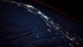Superfície da astronomia da terra do planeta do globo do mundo no voo espacial aéreo da luz maravilhosa da noite ilustração do vetor