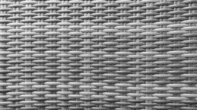 Superfície de madeira da textura do fundo do teste padrão do Weave do Rattan do artesanato preto e branco monótonos tailandês tra foto de stock royalty free