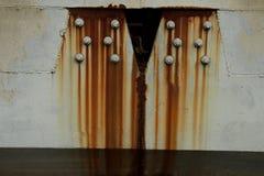 Superfície de metal vestida velha com pintura Textura oxidada do metal Folha de metal com oxidação e pintura gasta, textura da pl foto de stock royalty free