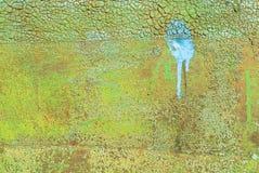 A superfície do ferro é coberta com o fundo velho da textura da pintura imagens de stock royalty free