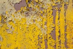 Superfície do ferro oxidado com os restos da pintura velha, pintura lascada, fundo da textura imagem de stock