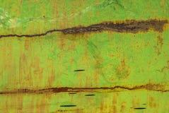 Superfície do ferro oxidado com os restos do fundo velho da textura da pintura fotos de stock royalty free