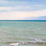 Superfície do Mar Morto na manhã do inverno Imagem de Stock Royalty Free