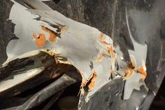 A superfície enrugada do corpo de carro com corrosão foto de stock royalty free