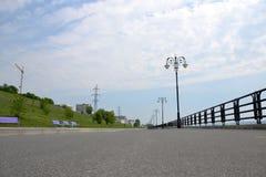 Superfície lisa do asfalto, olhando na distância fotografia de stock royalty free
