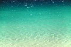 Superfície tranquilo do mar de aquamarine fotografia de stock