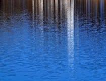 Superfície da água como um espelho Imagens de Stock