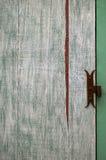 Superficie abstracta: fragmento de la puerta de madera vieja Foto de archivo libre de regalías