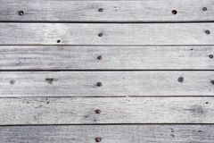 Superficie bianca dipinta di legno vuota della tavola, fondo di legno di colore chiaro di struttura, plance d'annata con il vecch Fotografie Stock