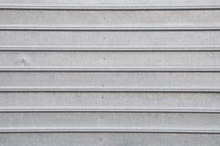 Superficie de metal gris con la línea regular Imagenes de archivo