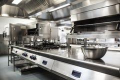Superficie de trabajo y equipo de la cocina Imagen de archivo libre de regalías
