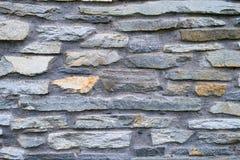 Superficie decorativa de la pared de piedra del gris de pizarra Fotos de archivo libres de regalías