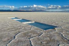 Superficie del lago di sale di Uyuni fotografie stock libere da diritti