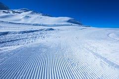 Superficie della pista dello sci del percorso della neve Fotografia Stock