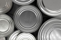 Superficie di alluminio del fondo delle latte dell'alimento di varie dimensioni Fotografia Stock Libera da Diritti