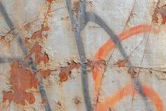 Superficie di ferro arrugginito con i resti di vecchia pittura, pittura scheggiata, fondo di struttura Immagini Stock Libere da Diritti