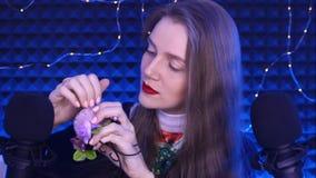 Superficie dura della candela della cera di rosa del giro di ASMR video d archivio