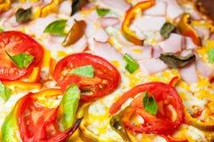 Superficie fresca de la pizza imagen de archivo libre de regalías