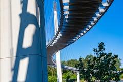 Superficie inferiore del ponte del piede di Bob Kerrey ad Omaha Nebraska fotografie stock libere da diritti
