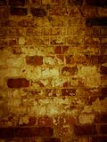 Superficie lamentable de la albañilería antigua de la pared de ladrillo vieja Fotos de archivo