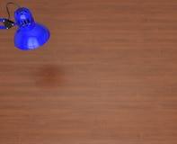 Superficie y lámpara de escritorio Fotografía de archivo libre de regalías