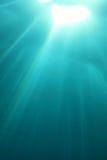Superficie y luz del sol del agua Imagen de archivo