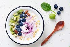 Superfood在白色背景的圆滑的人碗 库存图片