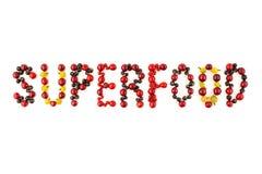 Superfood 樱桃,黑醋栗,红浆果的五颜六色的被分类的莓果混合 库存照片